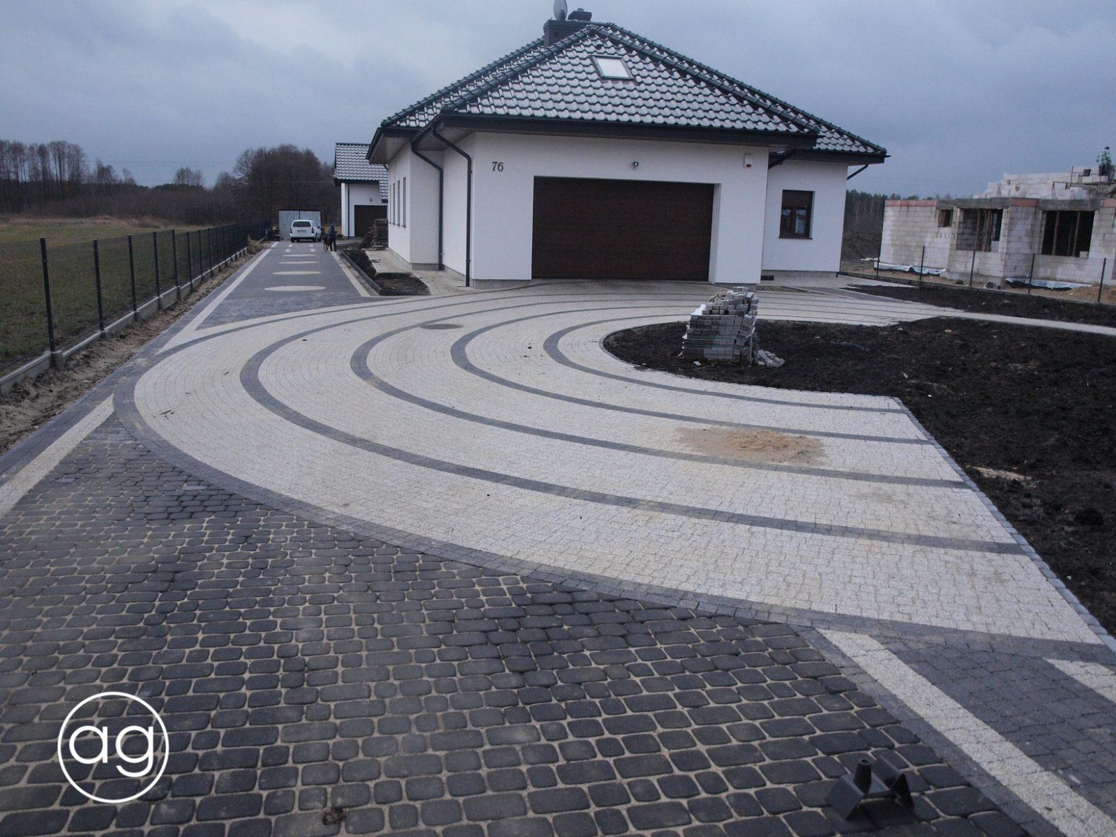 projektowanie ogrodów, ogród wZłotorii, Agnieszka Gertner, agnieszkagertnerblog, nowa kostka, nawierzchnia betonowa