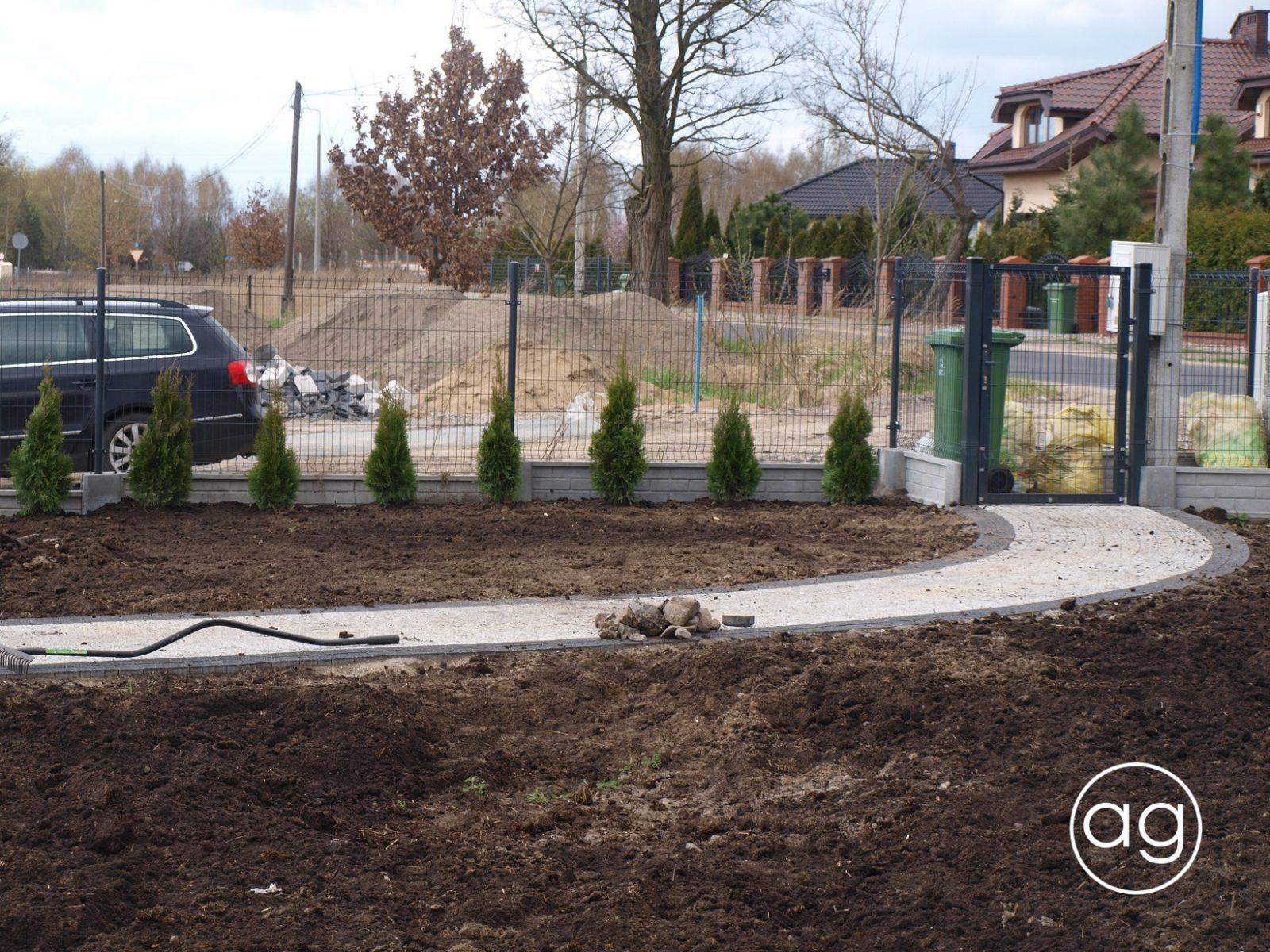 projektowanie ogrodów, ogród wZłotorii, Agnieszka Gertner, agnieszkagertnerblog, tuja, thuja, sadzenie roślin
